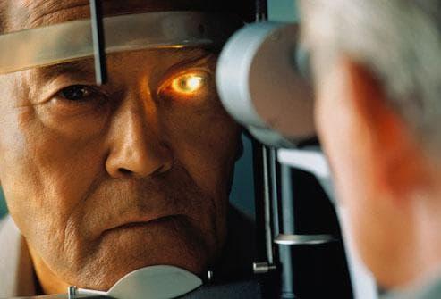 Глаукома у пожилых людей: операция, лечение, причины