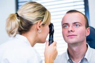 причины возникновения катаракты глаза
