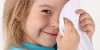 промыть глазик малыша