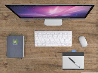 освещение рабочего стола за компьютером