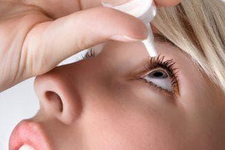 закапывание глаз каплями