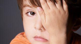 у ребёнка болят глаза