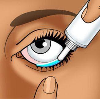 нанесение мази в глаз