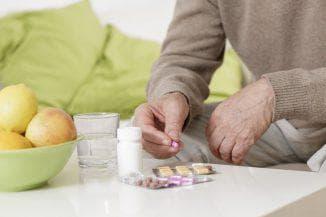 принятие таблеток с едой